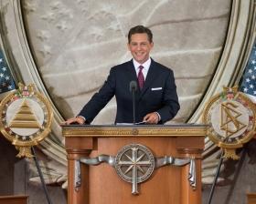 De heer David Miscavige, Voorzitter van de Raad van het Religious Technology Center en kerkelijk leider van de Scientology religie, opende een nieuwe kerk in de hoofdstad van Amerika.