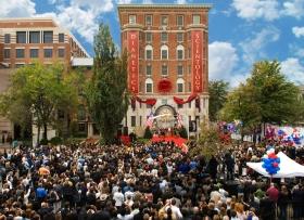 Op 31 oktober 2009 verzamelden zich drieduizend scientologen en hun genodigden voor de opening van de nieuwe Moederkerk. Het gebouw werd volledig in haar oorspronkelijke staat teruggebracht en is een van de belangrijkste historische bezienswaardigheden in Washington.