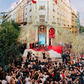 Door het doorknippen van het lint in Letters, Madrid werd een nieuw tijdperk ingeluid voor religieuze vrijheid in Spanje. Hierbij verkondigden hoogwaardigheidsbekleders op het gebied van recht, religie en mensenrechten dat Scientology hun land hoop zal bieden.