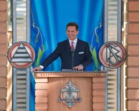 De heer David Miscavige, voorzitter van de raad van het Religious Technology Center en kerkelijk leider van de Scientology religie, trad op als ceremoniemeester bij de opening van de nieuwe Scientology Kerk van Malmö op 4 april 2009.